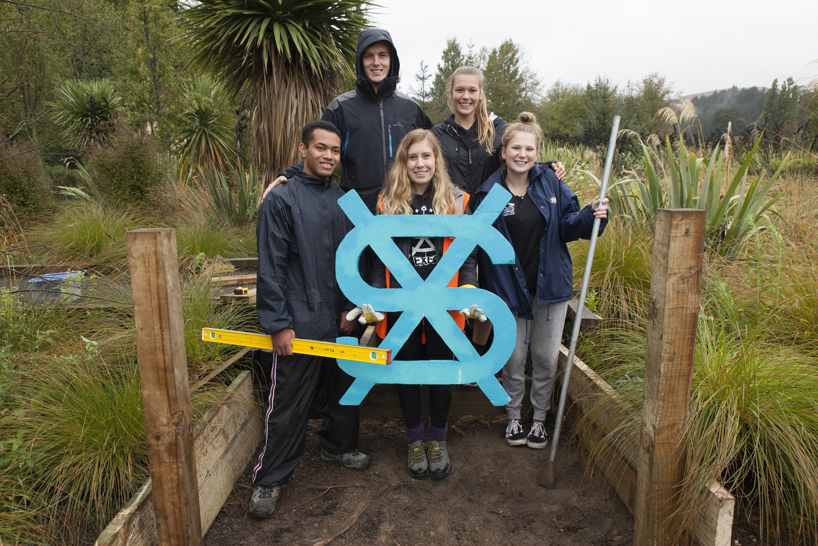 Student Volunteer Army (SVA) together with High School students from around Christchurch complete a project at Halswell Quarry Park.