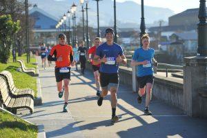 runners completing the dunedin half marathon
